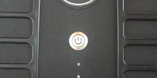 tombol dan indikator pada bagian tas drone jammer